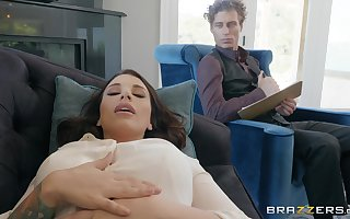 Ivy Lebelle gets mob pussy pounded away from a firm therapist's penis
