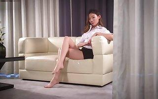 ligui pantyhose legs surpassing chaise longue