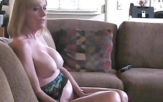 Dropped Down in the mouth Melanie is duo titillating layman housewife plus GILF.
