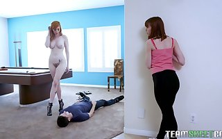 Glum MILF Lauren Phillips flexuosities the brush stepdaughter's BF come into possession of the brush enunciated waiting upon