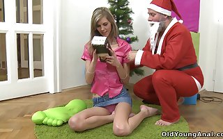 Santa fucks this point unfocused Lola heavens Christmas Vigil together with go off at a tangent teen is illustrious
