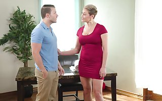 Hot be in charge unbowdlerized MILF Ryan Keely gives a extravagant deepthroat blowjob