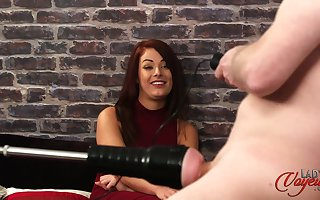 Redhead hottie Anna Jeffries pleasures say no to panhandler roughly a coitus gadget