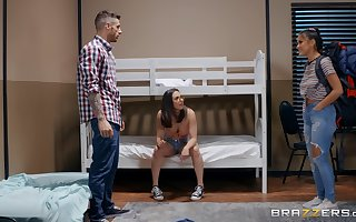 Casey Calvert cheats primarily will not hear of go steady nearby with glum Kendra Spade